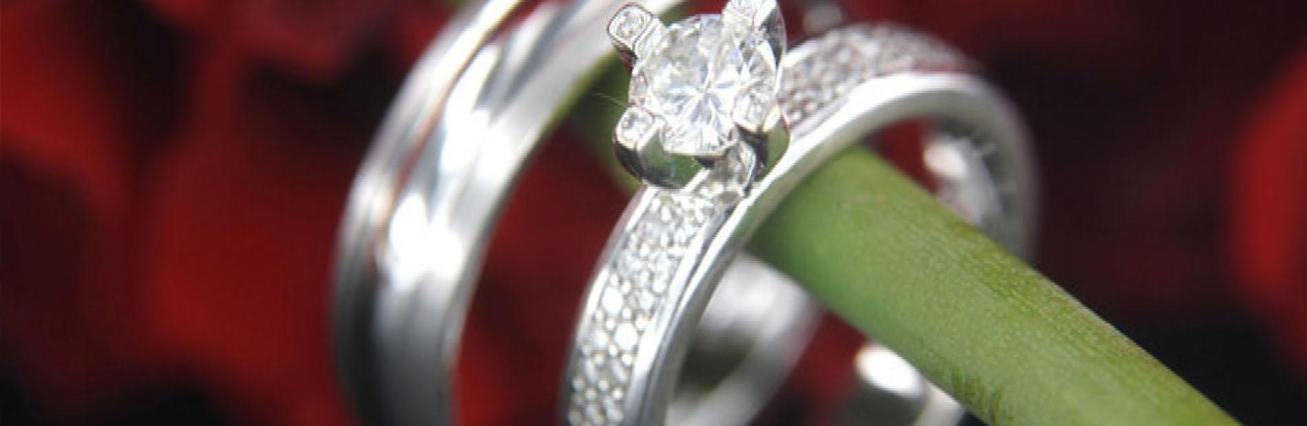 Trouwringen witgouden, diamanten, bijzondere, unieke, exclusieve