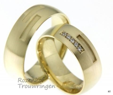 Prachtige trouwringen in het geelgoud met veel fonkelende diamanten. De trouwringen zijn 7 mm breedt en de afwerking is mat.