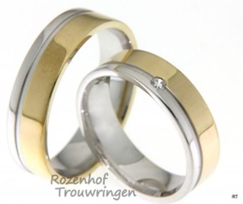 Strakke trouwringen in het wit- en geelgoud. De trouwringen zijn gepolijst en 6 mm breedt.