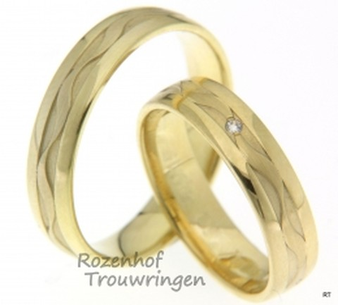 Glanzende geelgouden ringen met opvallende details