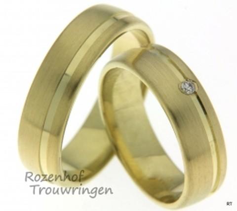 Strakke geelgouden trouwringen met diamant