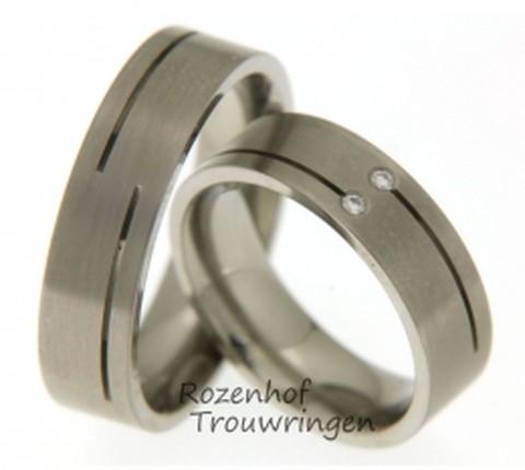 Strakke titanium trouwringen
