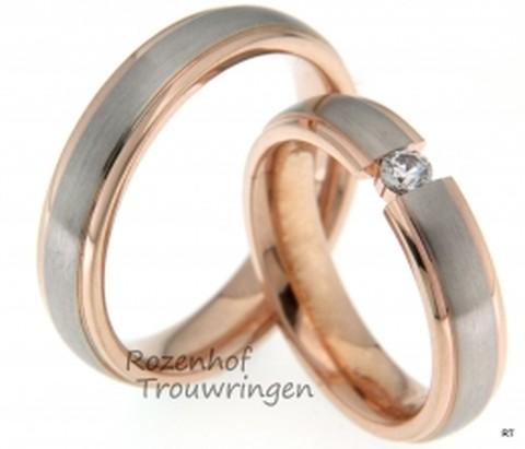 Elegante trouwringenn set uitgevoerd in het witgoud en roodgoud. De ringen zijn 5 mm breed. De trouwringen zijn verkrijgbaar bij Rozenhof Trouwringen.