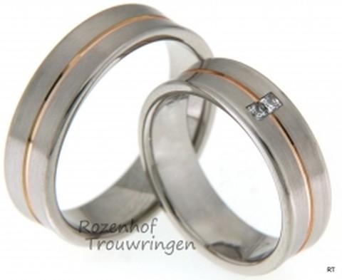 Prachtige trouwringen set in een geslaagde combinatie namelijk; witgoud en roodgoud. De trouwringen zijn redelijk breed maar dat maakt de ringen juist uniek.