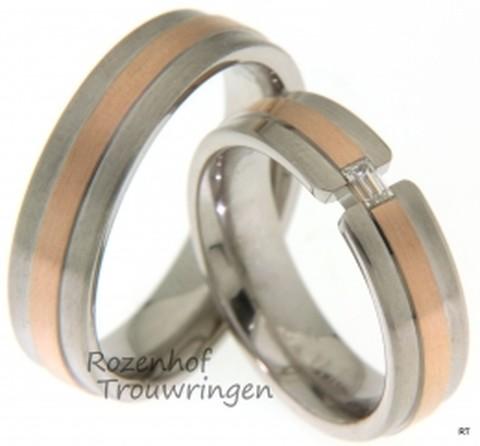 Bijzondere trouwringen uitgevoerd in het roodgoud en witgoud met een baquette geslepen diamant. De ringen zijn weggelegd voor een liefdevolle koppel.
