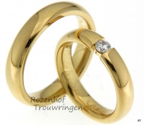 Klassieke trouwringen uitgevoerd in het geelgoud de ringen zijn erg mooi gepolijst. Dit zijn ook nog eens hele mooie smalle trouwringen.