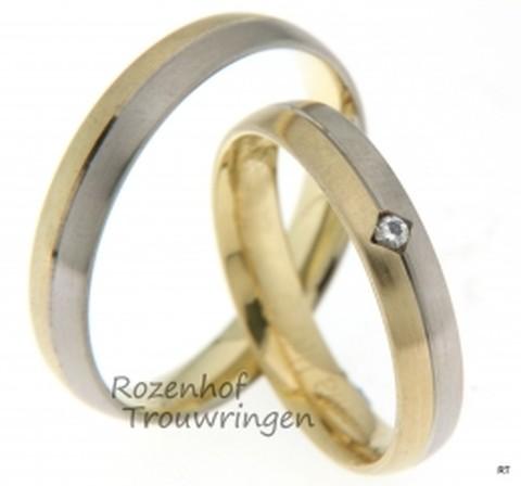 Smalle trouwringen uitgevoerd in het witgoud en geelgoud met een subtiele diamant in de ring voor haar. De ringen zijn mat afgewerkt.