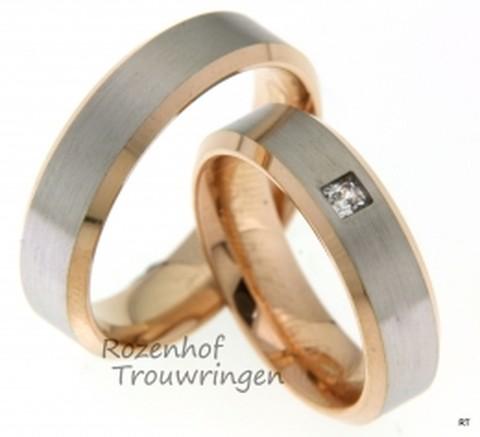 Luxe trouwringen vervaardigd in het witgoud en roodgoud. De ringen zijn 6 mm breed en zijn mat en gepolijst afgewerkt.