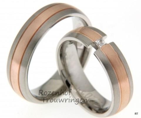Schitterende trouwringen set bestaat maar liefst uit twee verschillende kleuren: witgoud en roodgoud. In de ring voor haar zit een blinkende diamant.