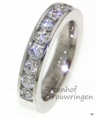 Imposante verlovingsring met diamanten