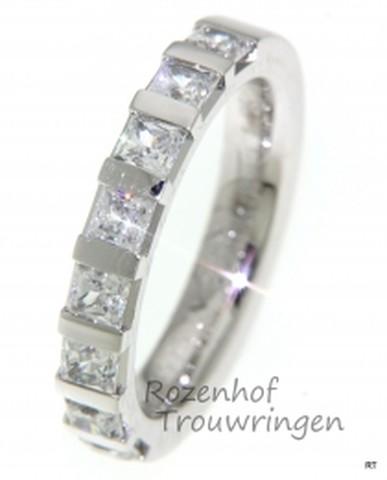 Betoverende, witgouden verlovingsring met diamanten