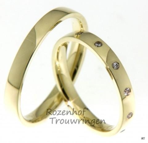 Deze stijlvolle, glanzende gouden trouwringen zijn 3 mm breed. De dames trouwring is bezet met 12 briljant geslepen diamanten van in totaal 0,12 ct.