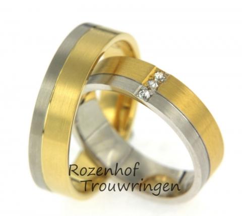 Deze classy ringen zijn uitgevoerd in wit-en geelgoud met een breedte van 5,5 mm. De twee banen zorgen voor een strakke uitstraling. De damesring is bezet met drie briljant geslepen diamanten. Dit prachtige setje is leverbaar in 9, 14 en 18 karaat goud.