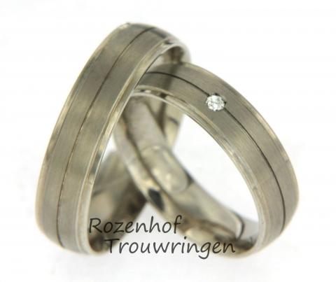 koele witgouden trouwringen met diamant