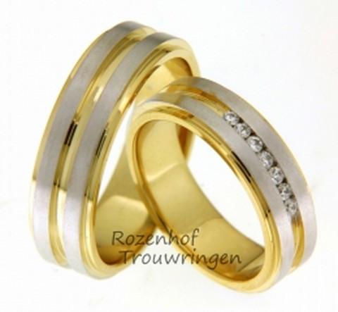 Spannende trouwring van wit- en geelgoud met diamanten. De trouwringen zijn 6 mm breed. Het contrast tussen het glanzende geelgoud en het matte witgoud en de verdeling hiervan, maakt deze trouwring spannend van ontwerp.In de dames trouwring zijn 7 briljant geslepen diamanten van in totaal 0,14 ct, verzonken in de ring gezet.
