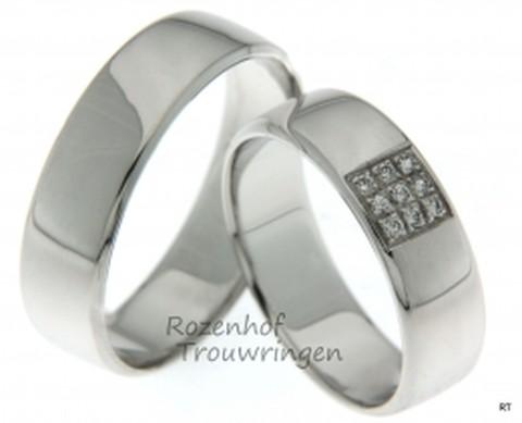 Glanzende, witgouden trouwringen van 6 mm breed. In de dames trouwring is een veldje van 9 briljant geslepen diamanten van in totaal 0,09 ct geplaatst.