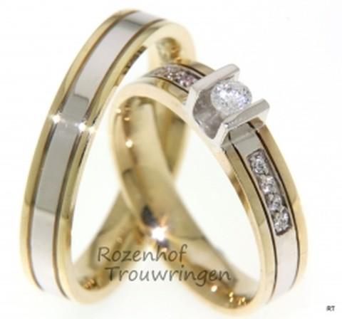 Een tweekleurig stel trouwringen met diamanten