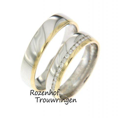 Prachtige stralende trouwringen zijn uitgevoerd in wit- en geelgoud en versierd met stralende diamanten!  Hoogglanzende trouwringen bij Rozenhof Trouwringen.