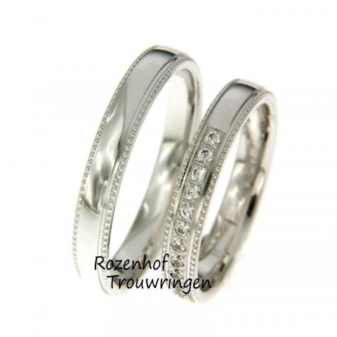 Gaat u binnenkort trouwen en bent u op zoek naar witgouden trouwringen? Trouwringenspecialist Rozenhof Trouwringen helpt u graag in alle rust verder!