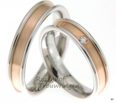 Bijzondere, bicolor trouwringen van 5 mm breed. De ringen zijn opgebouwd uit glanzend witgoud en mat roodgoud, waarvan het roodgouden gedeelte dieper ligt. In de dames trouwring is een prachtige, briljant geslepen diamant gezet van 0,045 ct.