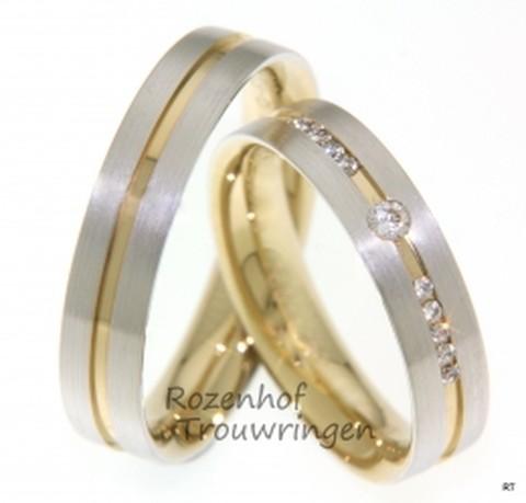 Gelaagde trouwringen in twee kleuren met diamanten. Prachtige, gelaagde ringen, bestaande uit een onderlaag van geelgoud en een bovenlaag van gematteerd witgoud. De ringen zijn 5 mm breed. In de dames trouwring zijn 11 briljant geslepen diamanten geplaatst van in totaal 0,125 ct.