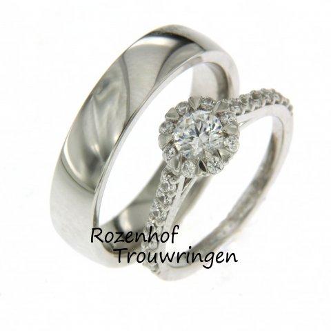 Elegante trouwringen met veel diamanten