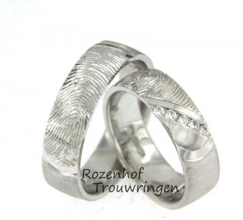 Karakteristieke vingerafdruk trouwringen van witgoud