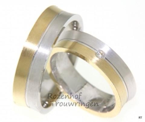 Trendy bicolor trouwringen. In de dames trouwring is een briljant geslepen diamant van 0,04 ct gezet. De ringen zijn 6 mm breed.