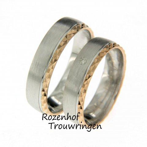 Bent u op zoek naar trouwringen en kunt u niet kiezen tussen roodgoud en witgoud? Ga dan voor beide! Deze trouwring heeft een speciaal motief én een diamant.