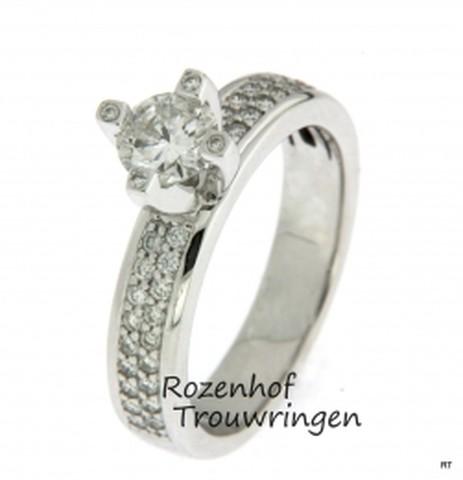 Prachtige verlovingsring van witgoud met diamanten
