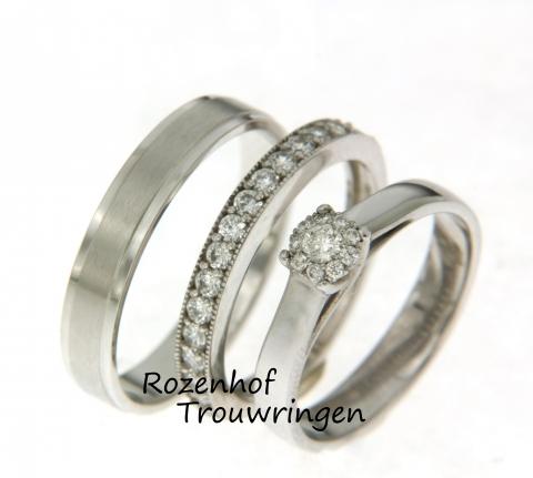 Perfecte trouwringen voor bruidegoms die hun aanstaande spectaculair ten huwelijk willen vragen. Want deze set bestaat uit wel 3 verschillende trouwringen die samen één geheel vormen.