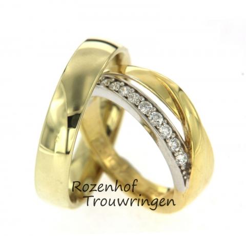 Dit prachtige trouwringenpaar is uitgevoerd in voornamelijk geelgoud. De herenring is stijlvol met een glanzende finish. De damesring heeft een mooie bicolor combinatie, de 9 schitterende diamanten bevinden zich in witgoud en daaromheen vindt geelgoud plaats. Deze ringen zijn leverbaar in 9, 14 en 18 karaat goud.