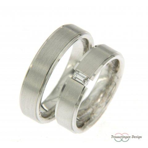 Mooie trouwring met bijzonder geslepen diamant