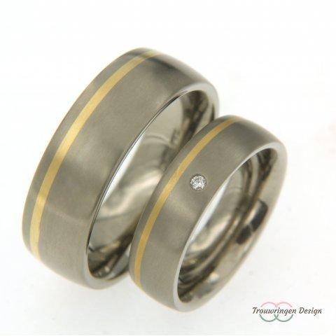 Brede titanium trouwringen