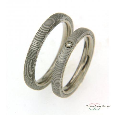 Smalle titanium trouwirngen