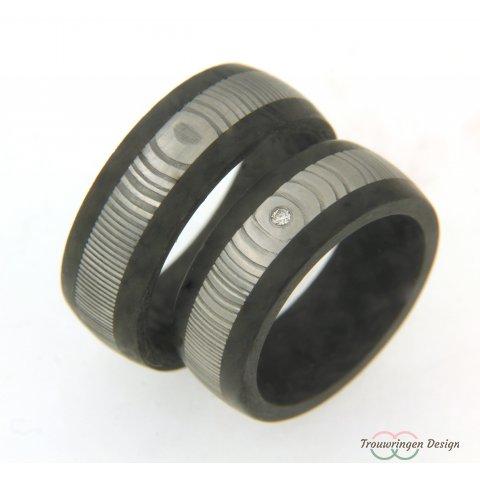 Krachtige carbon met edelstaal trouwringen