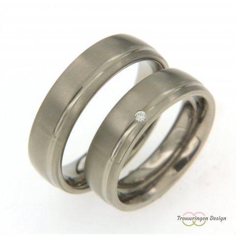 Titanium trouwringen met diamant